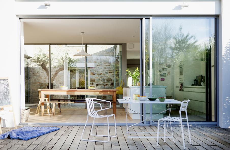 extension d 39 une maison rennes 35 patio et lumi re mnm architectes rennes. Black Bedroom Furniture Sets. Home Design Ideas